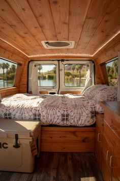 Still wondering how to convert your bus into a camper? Today it is my privilege to take you through some of the best short bus conversion ideas that w. Interior Trailer, Campervan Interior, Small Camper Interior, Rent Camper, Build A Camper Van, Car Camper, Small Camper Vans, Small Campers, Van Conversion Interior