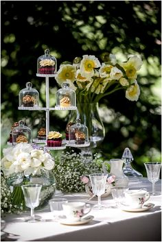 wedding tea party  | Image by Ludivine B,  www.MadamPaloozaEmporium.com www.facebook.com/MadamPalooza