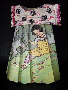 Little Paper Dress Paper Dress Art, Paper Art, Paper Dresses, Paper Clothes, Clothes Crafts, Barbie Clothes, Diy Paper, Paper Crafts, Diy Crafts