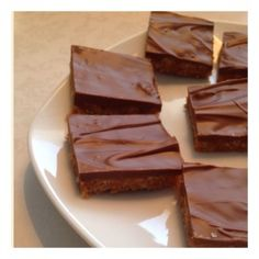 Nyttig snickerskaka - Mitt kök Energy Bites, Rice Krispies, Sweets, Candy, Chocolate, Glass, Desserts, Food, Alternative