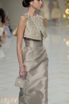 Pretty Dresses, Beautiful Dresses, Dress Outfits, Fashion Dresses, Elegant Outfit, Couture Fashion, Paris Fashion, Silk Dress, Dress To Impress