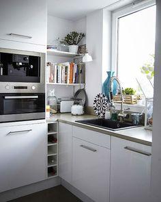 Ideias para planificar a cozinha: os eletrodomésticos integrados mantêm o espaço organizado.