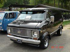 Radarlovevan's 1976 Chevrolet G-Series G10 in Slippery Rock, PA