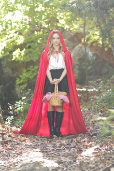 Red Riding Hood Costumes For Teens, Halloween Costumes For Girls, Diy Costumes, Halloween Party, Wolf Costume, Red Riding Hood Costume, Maquillage Halloween, Halloween Disfraces, Dress Up