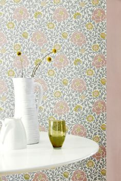 Little Greene Lansdowne Walk wallpaper design featuring flowers in various stages of bloom.