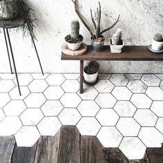 Love the transition between wood and hexagon marble! // design inspo via @WANDERER WANDERER #interiordesign #marble #modern