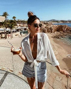 Day 2 of this dirty ass bun ☕ & another pair of sunglasses ruined by Paul 🔪 Source by sivanayla outfits Cute Beach Outfits, Beach Vacation Outfits, Trendy Outfits, Vacation Fashion, Club Outfits, Lake Outfits, Beach Holiday Outfits, Casual Beach Outfit, Beach Outfit For Women