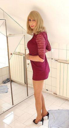 short purple dress by Adri Kiss on Flickr.