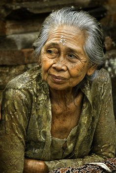 Ubud, Bali  I saw many beautiful faces like this in Bali. ... Bali is Asia's best honeymoon destination it is a dream of every couple to have their honeymoon in the most beautiful honeymoon destination id Asia http://holipal.com/the-best-honeymoon-in-bali/