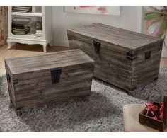 Old Trunks, Trunks And Chests, Home Living, Wood Boxes, Hope Chest, Barn Wood, Wood Projects, Painted Furniture, Thrifting