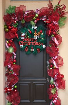 30 Inspiring Diy Christmas Door Decorations Ideas For Home And School 30 Inspiring Diy Christmas Door Decorations Ideas For Home And School Christmas Front Doors, Christmas Porch, Noel Christmas, Simple Christmas, Beautiful Christmas, Christmas Wreaths, Home For Christmas, Whimsical Christmas Trees, Diy Christmas Door Decorations