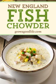 If you are looking for a comforting and easy meal, this classic New England fish chowder recipe fits the bill. Serve with bread and a simple salad. Fish Chowder Recipe New England, Best Seafood Chowder Recipe, Chowder Recipes, Seafood Recipes, Dinner Recipes, Healthy Soup Recipes, Cooking Recipes, Simple Fish Recipes, Chowder Soup