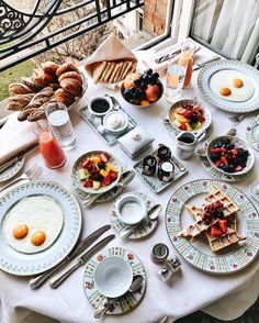 Breakfast at Four Seasons Hotel George V, Paris