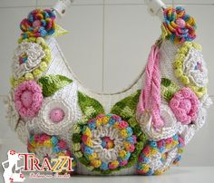 Crochet Catiele...Bella Bag Crochet - White with Gold..This bag is just amazing!