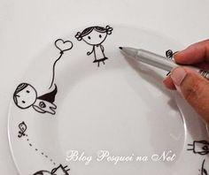 {tutorial} Canecas pintadas com caneta Sharpie.