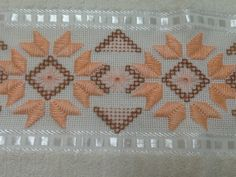 Bargello, Herd, Needlepoint, Hand Embroidery, Sewing Crafts, Diy And Crafts, Cross Stitch, Crochet, Handmade