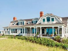 A Robert A.M. Stern shingle-style house in West Quogue, NY | archdigest.com