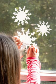 Snowflake Window Cling. Make It Now in #Cricut Design Space