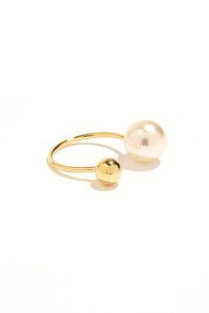 gold pearl ring / lulu's