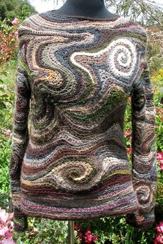 A cool freeform crochet sweater Mode Crochet, Crochet Art, Irish Crochet, Hand Knitting, Knitting Patterns, Crochet Patterns, Freeform Crochet, Crochet Stitches, Knitting Projects