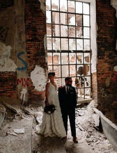Urban Elegance Inspiration: get married among church ruins!