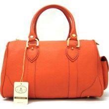 What is your handbag philosophy? Classic? #fashion #handbag