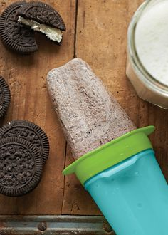 Cookies and Cream Ice Pops. Beat the heat with these frozen treats!