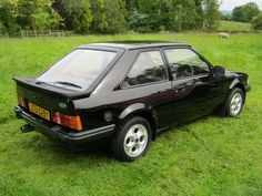 Black Ford Escort 6