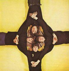 George Harrison, John Lennon, Paul McCartney and Ringo Starr. Foto Beatles, Beatles Love, Les Beatles, Beatles Photos, Beatles Funny, Beatles Poster, Ringo Starr, George Harrison, Rare Photos