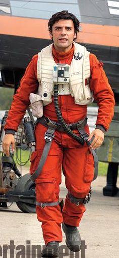 """Oscar Isaac as Poe Dameron in """"Star Wars: The Force Awakens"""" (2016). Costume Designer: Michael Kaplan"""