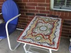 Square mosaic table Mosaic Furniture, Mosaic Madness, Beautiful Stories, Countertops, Beach Mat, Bohemian Rug, Outdoor Blanket, Rugs, Mosaics