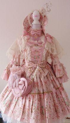 SneezingBubble - Sweetie chandelier Hime coord! <3 Do you like it ?...