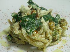 Spaghetti in crema di tofu con spinaci e nocciole