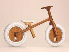 Duits design, loopfiets van bamboo