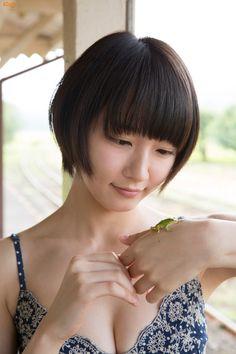 this world is beautiful — 吉岡里帆 Cute Japanese, Japanese Beauty, Japanese Girl, Asian Beauty, Sexy Asian Girls, Beautiful Asian Girls, Asian Models Female, Foto Portrait, Kawaii Girl