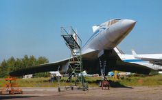 Another view of the magnificent looking a little worse for wear. Concorde, Tupolev Tu 144, Work Family, Aircraft Photos, Civil Aviation, Spacecraft, Military Aircraft, Airplanes, Old Photos