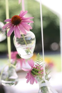 5 Creative And Inexpensive Useful Tips: Tall Vases Entryway vases ideas branches.Round Vases Home paper vases mason jars. Hanging Vases, Hanging Flowers, Floating Flowers, Flowers In Jars, Flower Vases, Vases En Verre Transparent, Glitter Vases, Gold Vases, White Vases