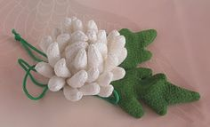 pouch in the shape of chrysanthemum