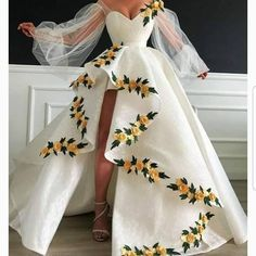 Lace Ball Gowns, Ball Gowns Evening, Ball Dresses, White Ball Gowns, Flower Dresses, Lace Evening Dresses, Quince Dresses, Chiffon Dresses, Evening Outfits