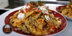 Μεξικάνικο κοτόπουλο με νάτσος και σάλτσα τσένταρ Meat Recipes, Mexican Food Recipes, Recipies, Ethnic Recipes, Street Food, Tacos, Beef, Chicken, Cooking