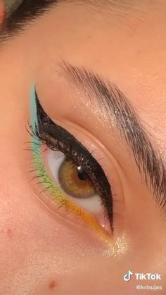 Makeup Inspo, Makeup Art, Makeup Tips, Hair Makeup, Eyeshadow Looks, Eyeshadow Makeup, Eyeliner, Aesthetic Makeup, Colorful Makeup