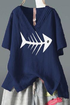 V Neck Short Sleeve Printed T-shirt Little Girls Coats, V Neck, Printed, Sleeves, T Shirt, Tops, Fashion, Supreme T Shirt, Moda