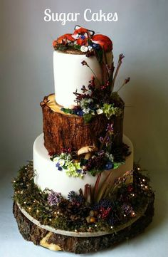 Amazing lit woodland cake with sleeping fox from Sugar Cakes