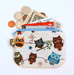 HOOTY HOOT OWLS (Ivory) - Small Zipper Pouch