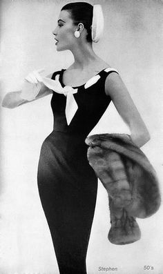 Retro Fashion Vintage Fashion by Anne Fogarty * Vogue 1954 - Moda Vintage, Vintage Mode, 50s Vintage, Vintage Black, Dresses Elegant, Vintage Dresses, Vintage Outfits, Affordable Dresses, Fifties Fashion