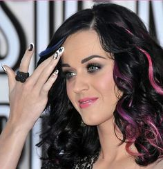 Katy Perry, è quasi pace con Taylor Swift