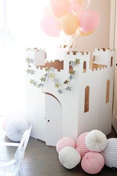 and White: Dreamy Princess Party {Blush y White Third Birthday} Party Decorations Pink Princess Party, Princess Birthday Party Decorations, Disney Princess Birthday Party, Princess Party Favors, Birthday Party Centerpieces, Cinderella Birthday, Tea Party Birthday, Birthday Party Themes, Princess Party Centerpieces