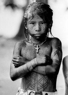 Julio Cesar Herrera. Embera Katio boy. Choco. Colombia.