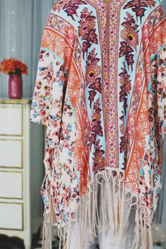 Floral Fringe Hem Side Slits Open Front Kimono | UOIonline.com: Women's Clothing Boutique