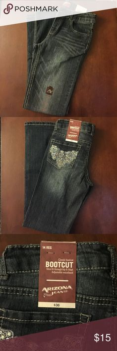 Arizona Jeans New with tag dark blue jeans. Slim fit boot cut. Regular in length. Design on back pockets with sequence and lace. Arizona Jean Company Bottoms Jeans